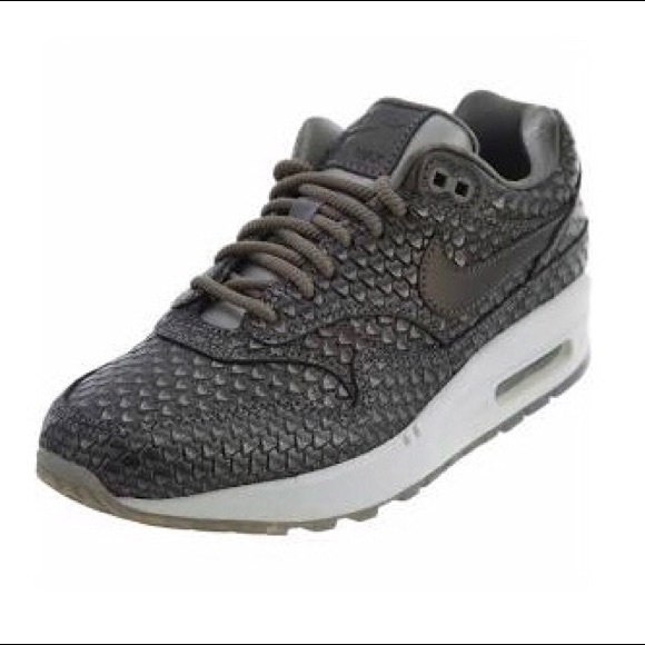 finest selection de385 b9cad Nike Air Max 1 Silver Crocodile Sneakers NWOT 6